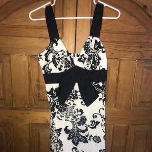 Speechless size 5 dress with bow zip up back